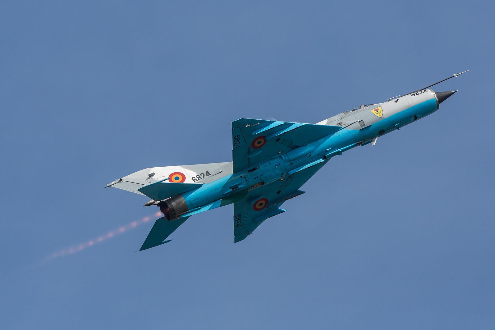 Sehr elegant und wohl bald Geschichte die MiG-21 aus Rumänien