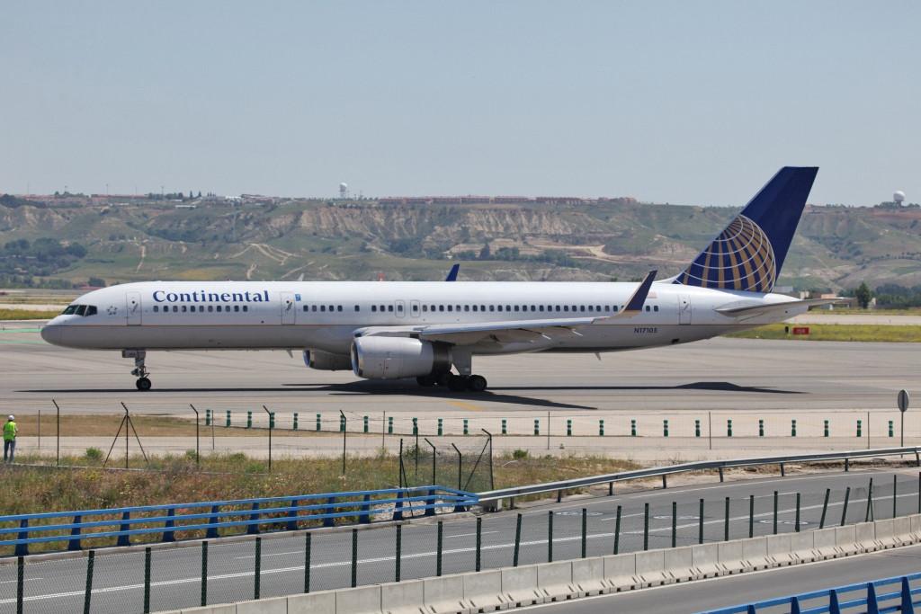 Continental fliegt u.a. mit Boeing 757-200