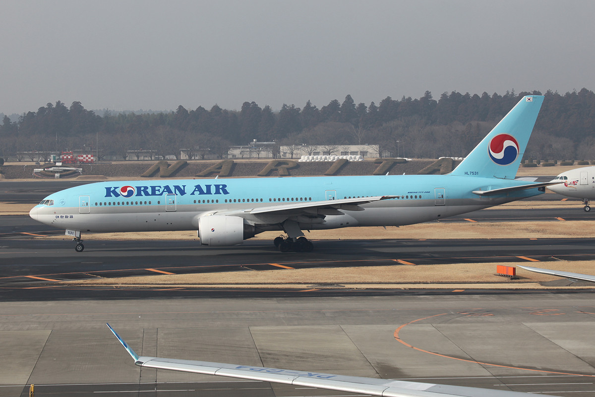 Korean Air Boeing 777-200.