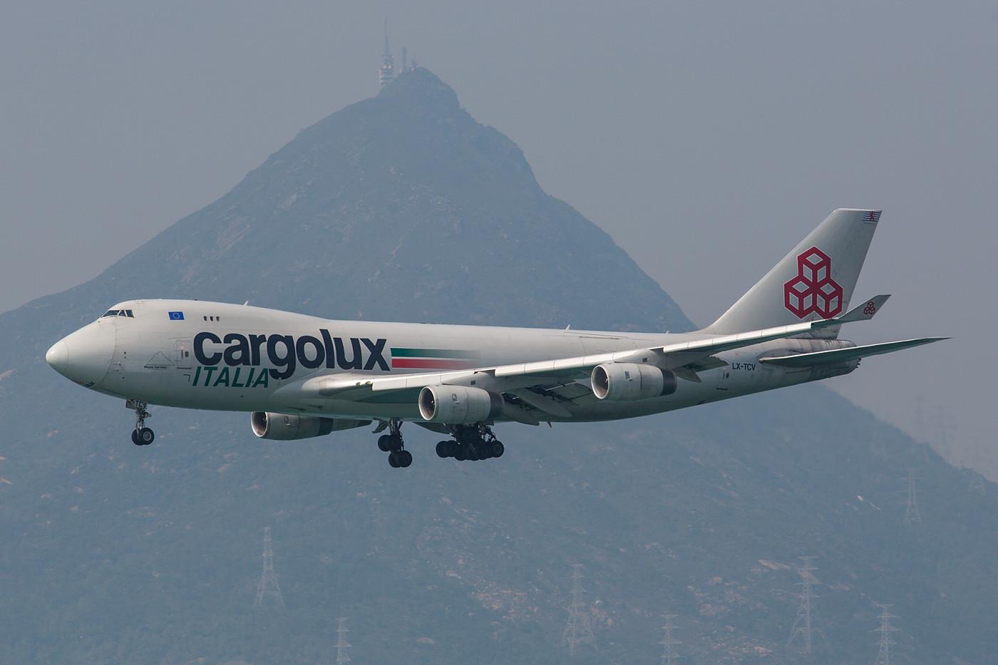 Boeing 747-400F der Cargolux Italia.