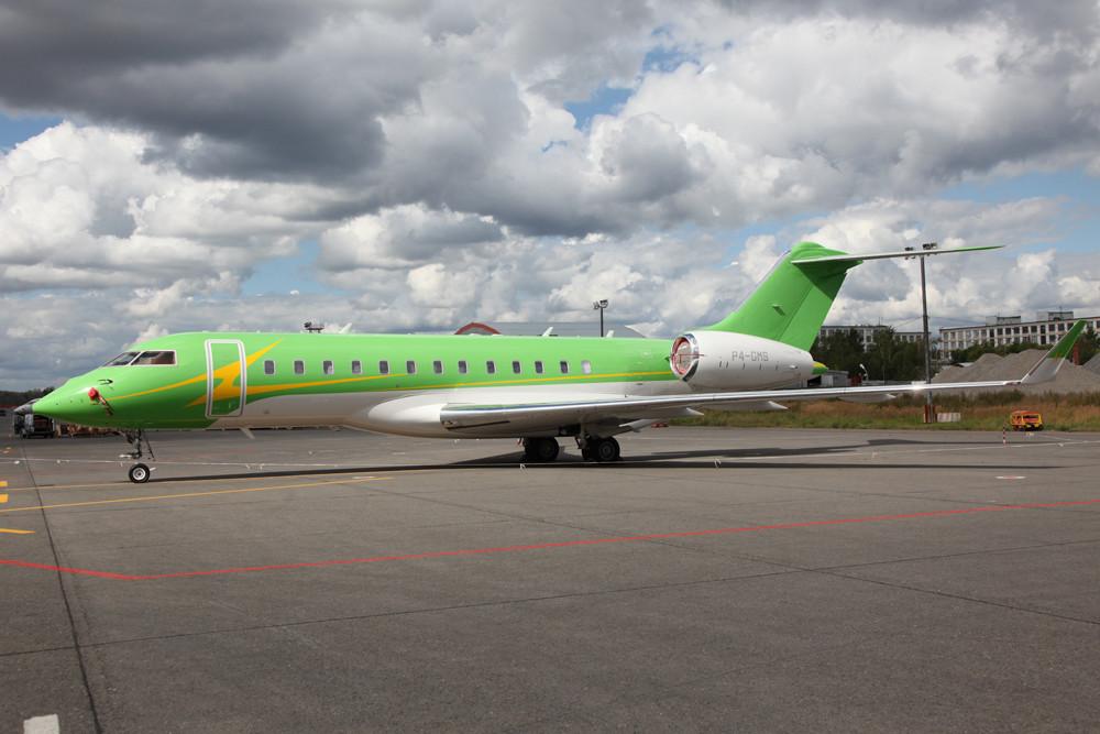 Das es in Rußland Leute mit viel Geld gibt ist hinlänglich bekannt. Inzwischen geben die Oligarchen Selbiges auch für modernes Flggerät aus, wie diesen GLEX.