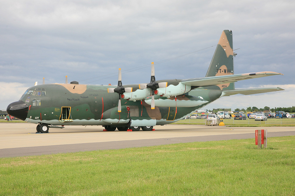 7T-WHF, eine C-130H der Luftwaffe Algeriens.