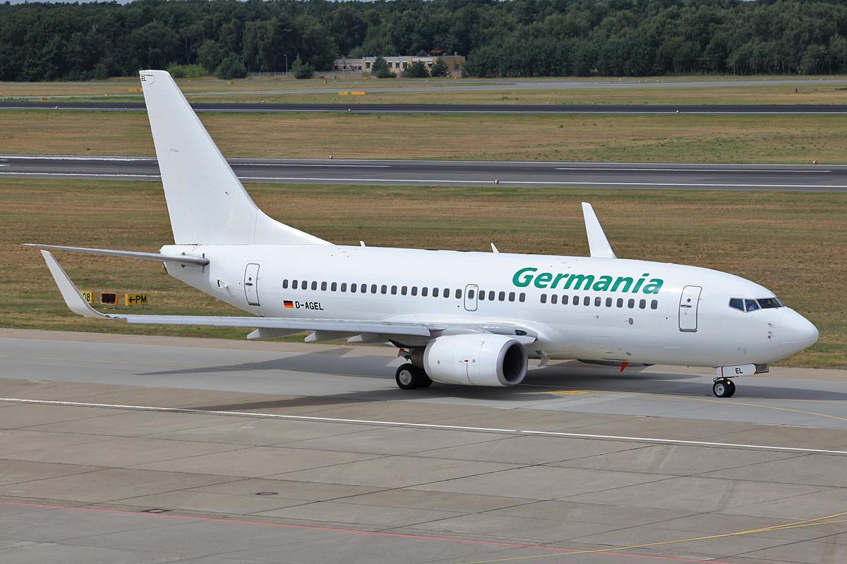 Gut rumgekommen ist auch diese Boeing 737-700 der Germania, die D-AGEL.