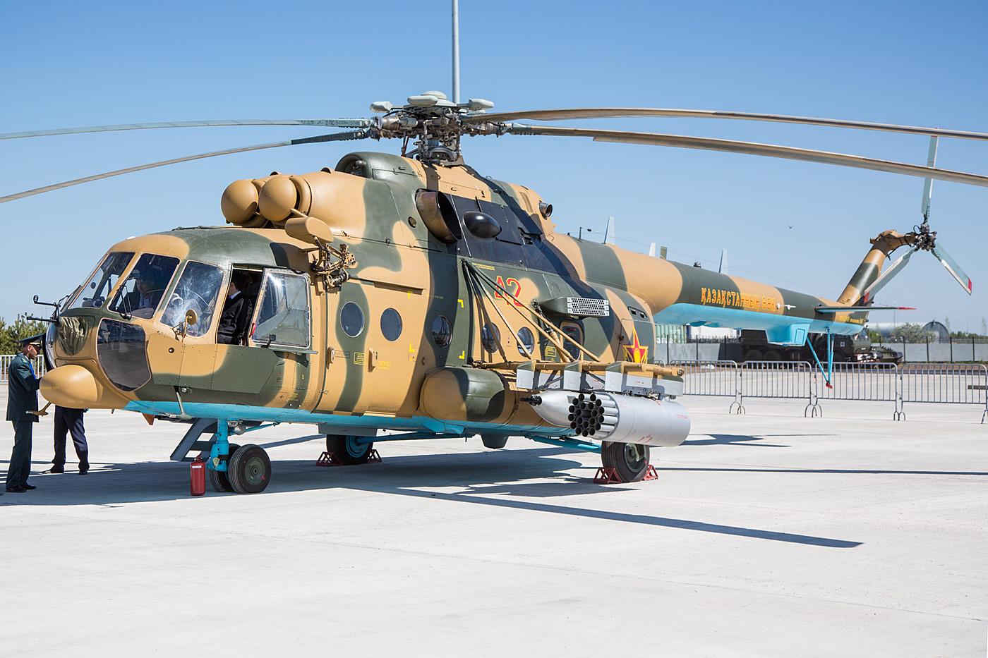 Mil Mi-8TB mit voller Bewaffnung.