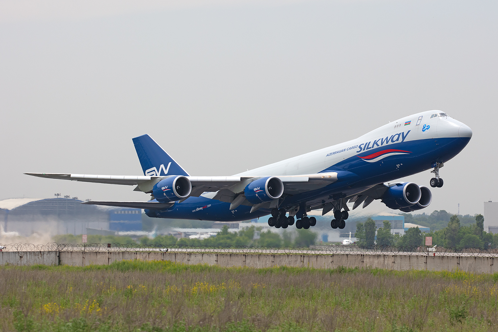 Boeing 747-8F der Silkway  Air aus Baku in Asabaidschan