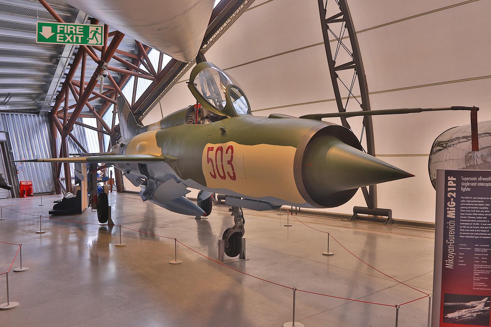 MiG-21PF der ungarischen Luftstreitkräfte. Sie war letzte Version, bei der das Cockpit nach vorne aufgeklappt wurde.