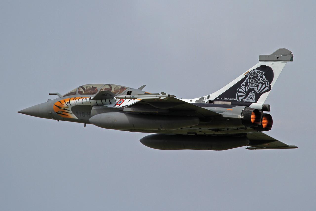 Die ECE 05.330 hatte ihren Tiger mit Folien beklebt.