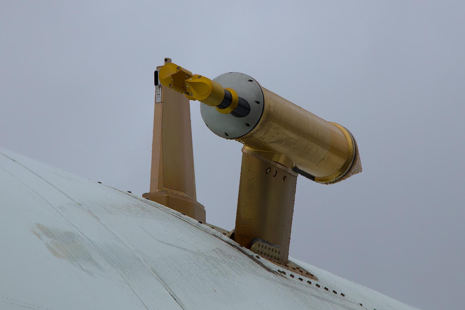 Ein Messsensor auf dem Rumpf der DC-8.