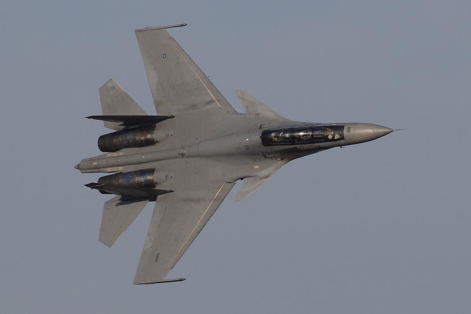 Die wahre Königin der Lüfte aber ist sie, die Sukhoi Su-30MKM.