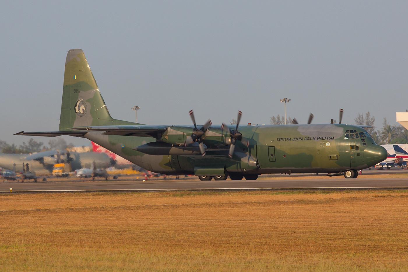 Die M30-10 war die einzige Hercules der TUDM, die in einem grünen Camouflagemuster flog.