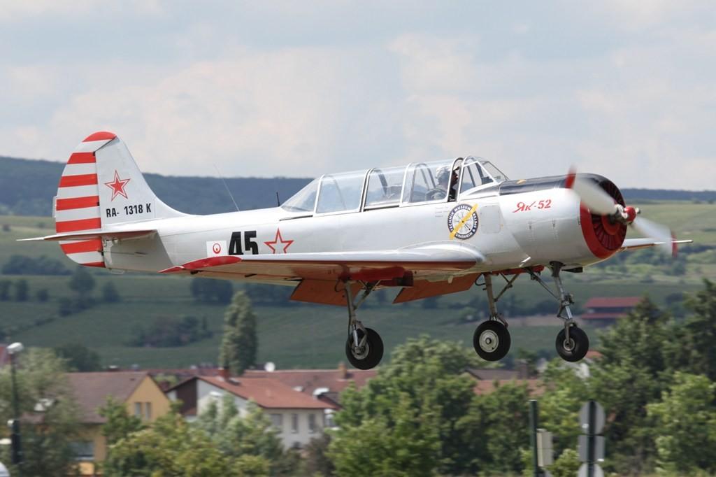 Hier eine der YAK 52 der Kunstflugstaffel.