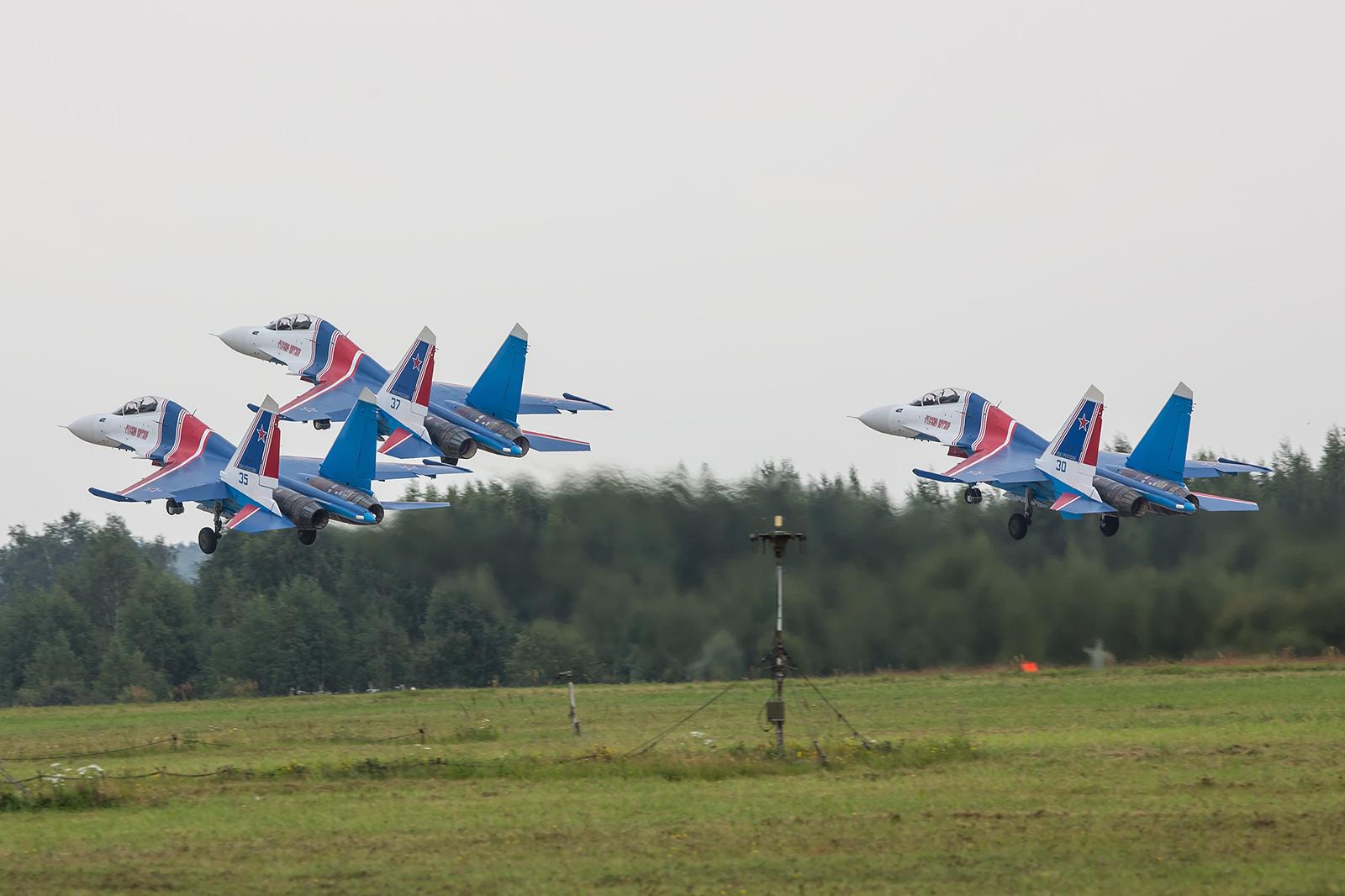 """Auf der diesjährigen LIMA in Malaysia traten die """"Knights"""" erstmals mit der Su-30 im Ausland auf."""