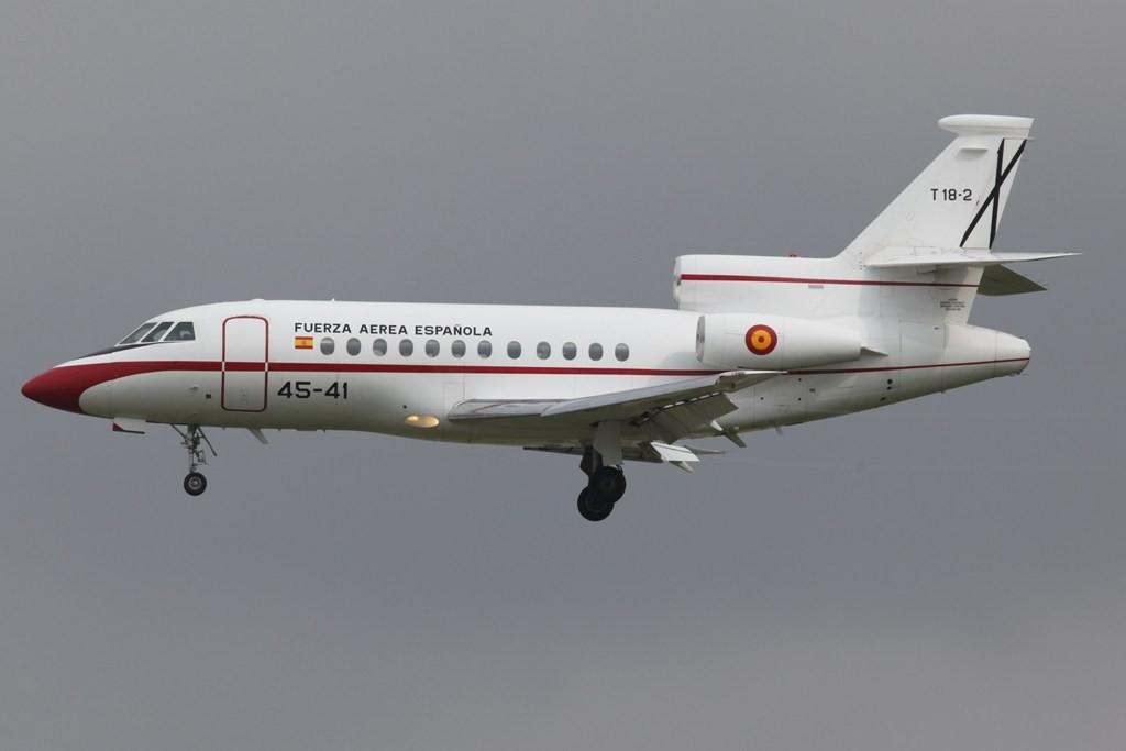 Diese Falcon 50 der Spanischen Luftwaffe brachte den König zu Rennen.