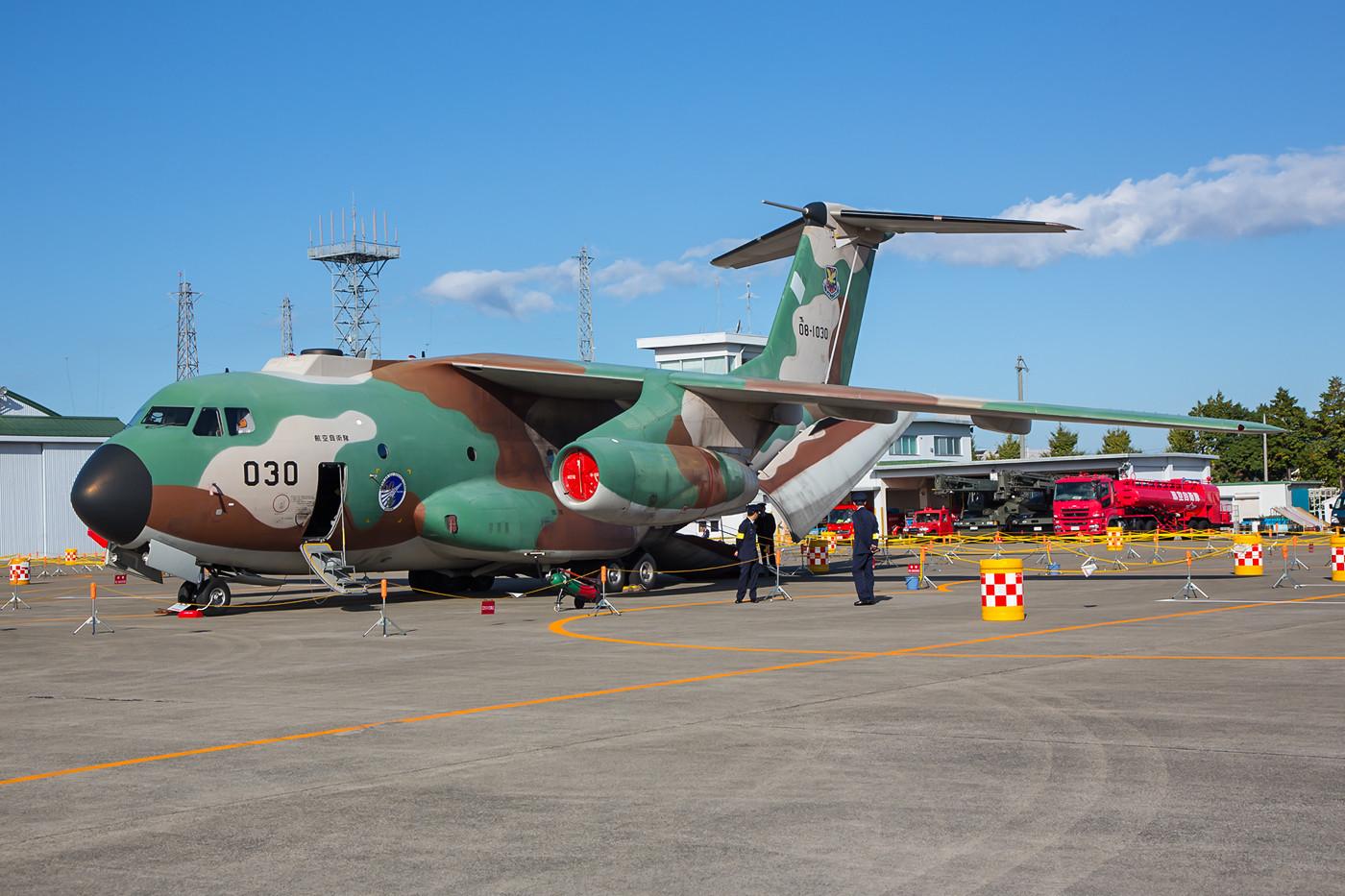 Noch ist die C-1 das Rükgrat der 402 Hikotai in Iruma, die ersten C-2 gingen an die 403 Hikotai in Miho.