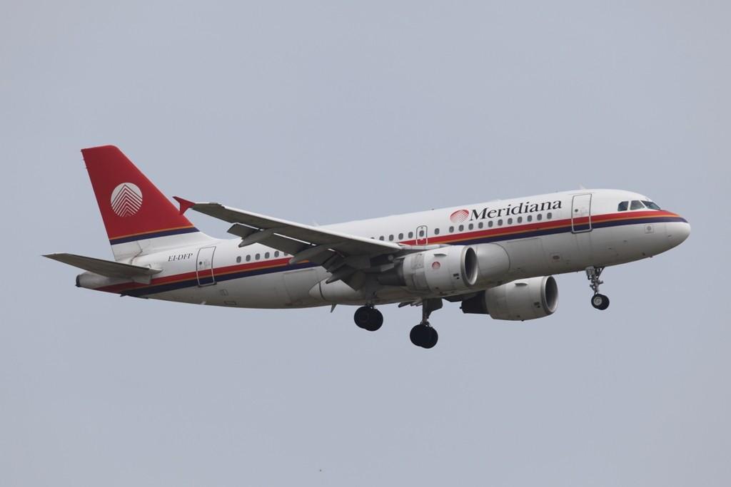 Die Meridiana aus Italien betreibt neben modernen Airbussen, wie hier ein A 319, noch ettliche MD-82.