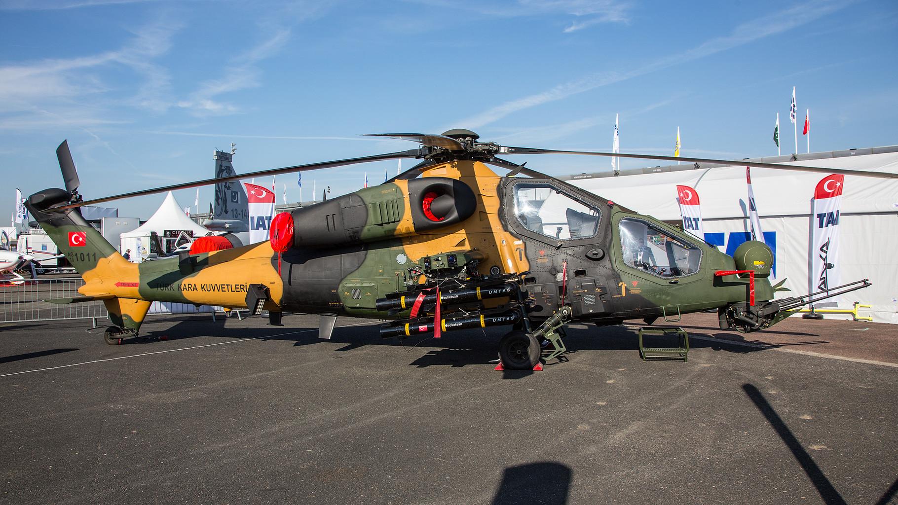 Auf der Basis der Agusta A-129 hat die Türkei für ihre Army den T-129 entwickelt.