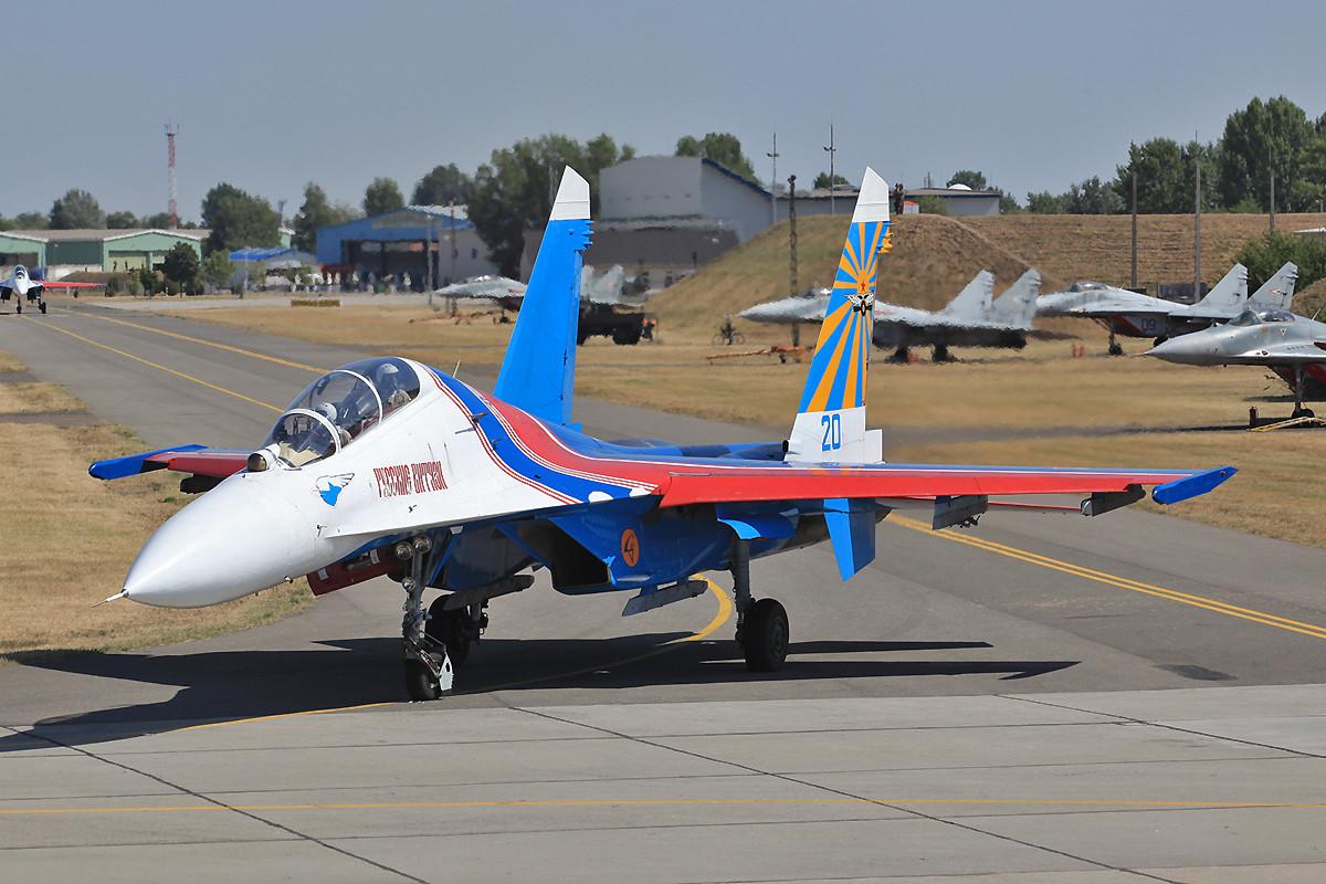 Doppelsitzer Su-27UB