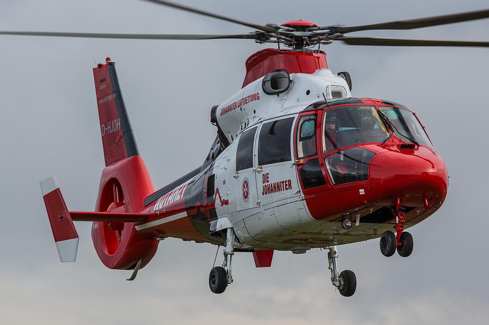 BG Unfallklinik Ludwigshafen D-HJOH 06.01.2016; Aerospatiale AS 365N3 Dauphin II Heliflight GmbH