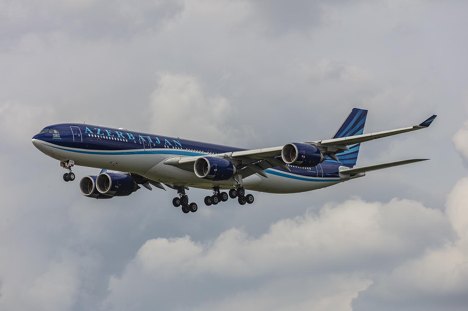 A340-500 aus Azerbaijan.