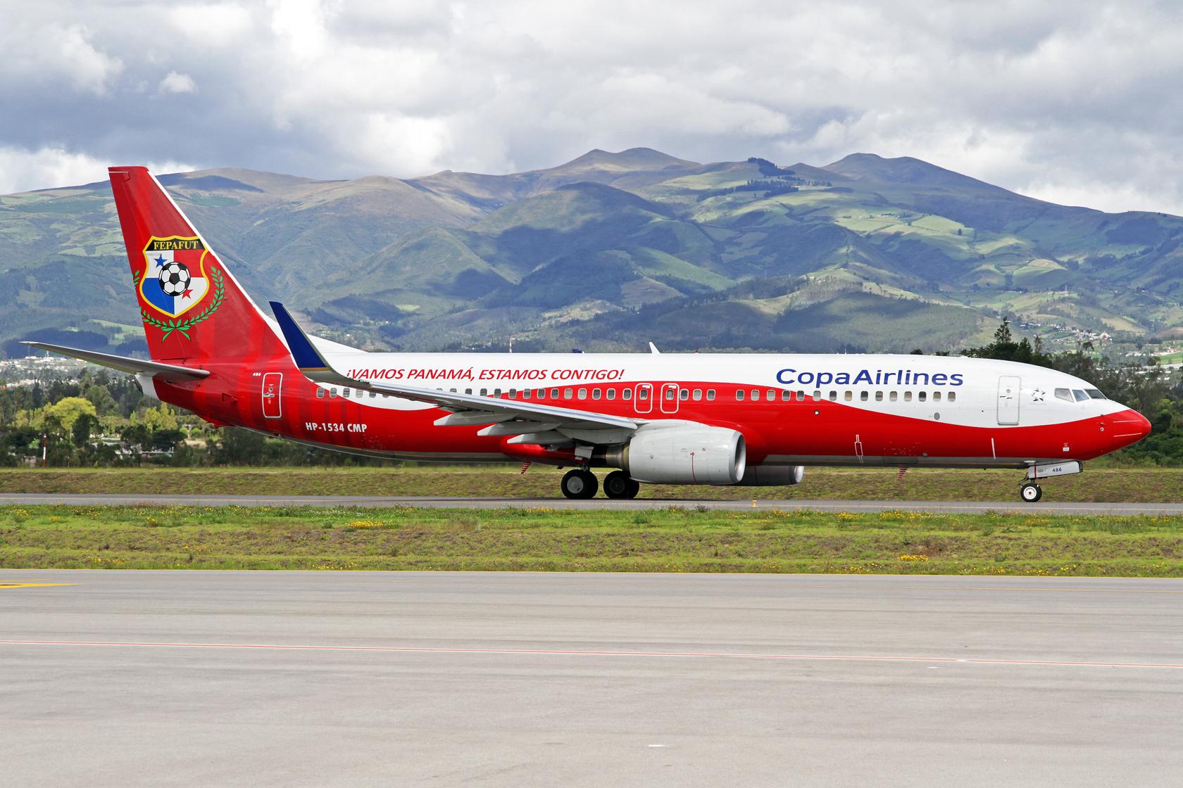 """Copa Airlines Boeing 737-8V3 HP-1534CMP - Diese Maschine trägt eine """"Panama National Football Team"""" Sonderbemalung. Ein Highlight dieses Tages!"""