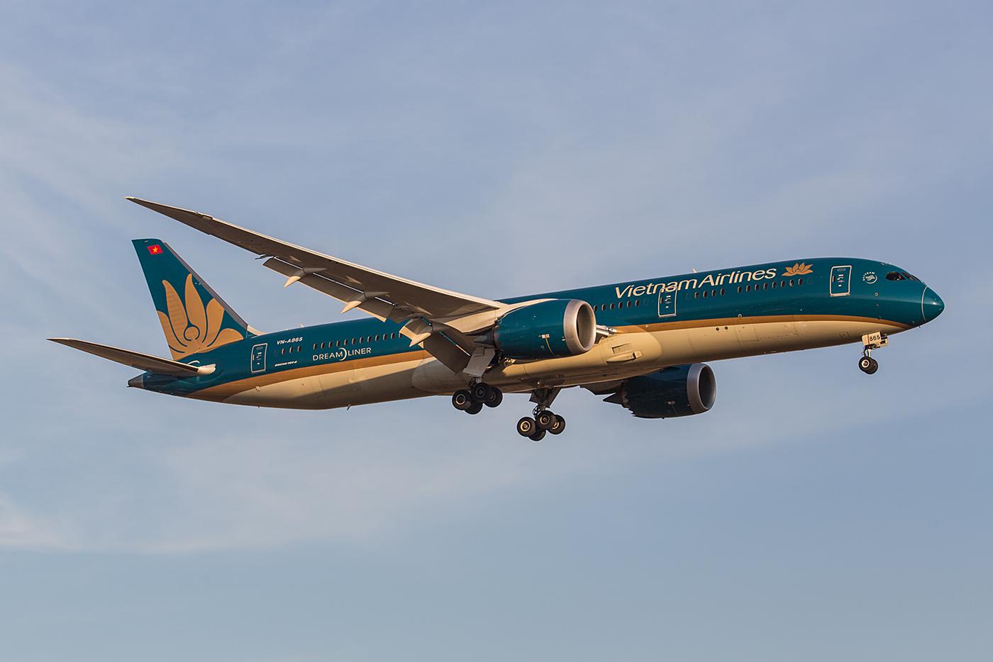 Die Boeing 787 kommen nicht nur auf internationalen Routen zum Einsatz, sondern fliegen auch lokal.