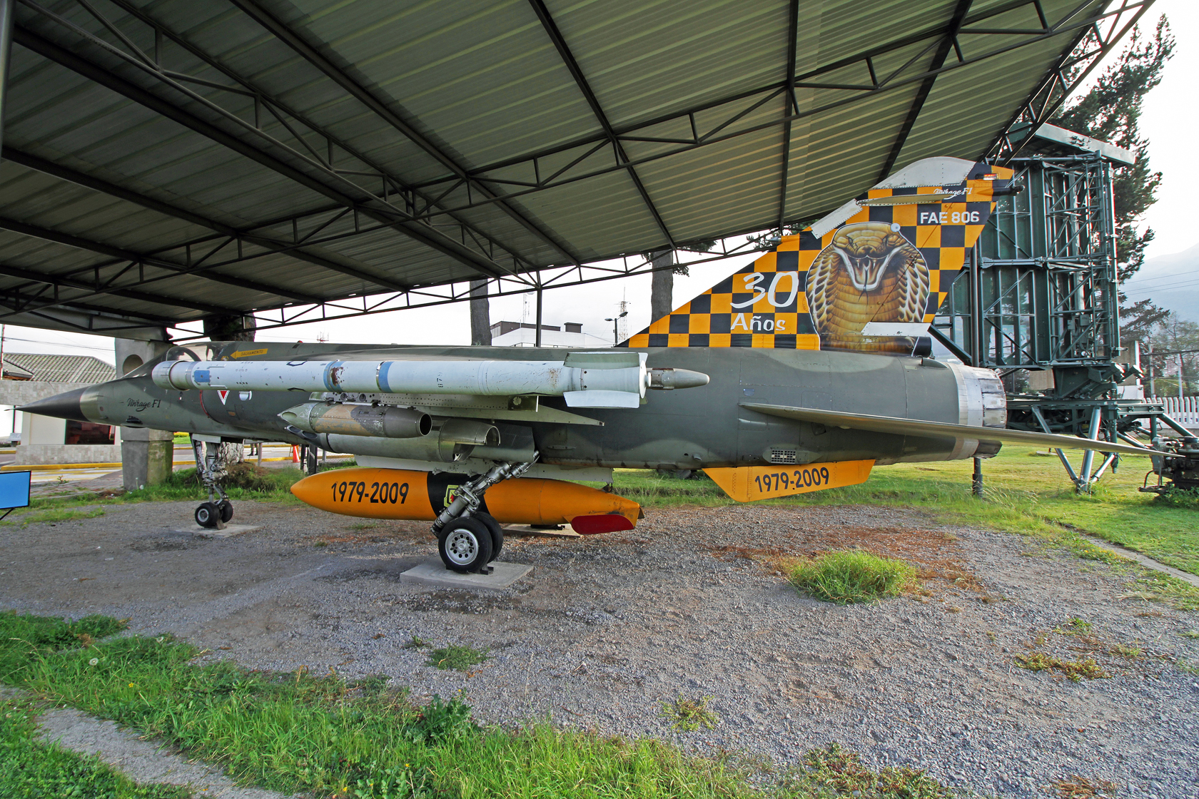 """Fuerza Aérea Ecuatoriana Dassault Mirage F.1JA FAE-806 - Lackiert in der """"30 Jahre - 1979-2009"""" Sonderbemalung. Die 'FAE806' war eine von zwei FAE Mirages, die im Luftkampf gegen peruanische Su-22 am 10 February 1995 teilgenommen hat. Sie wurde an diesem"""