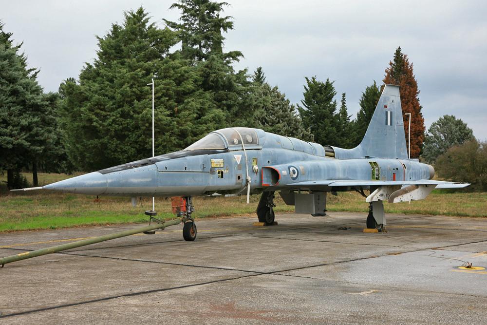 Diese F-5 hat auch schon bessere Tage gesehen.