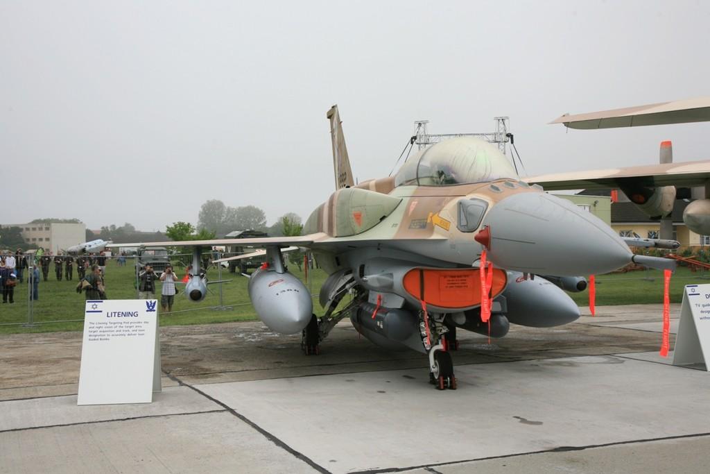 F-16D Block 52+ aus Israel.