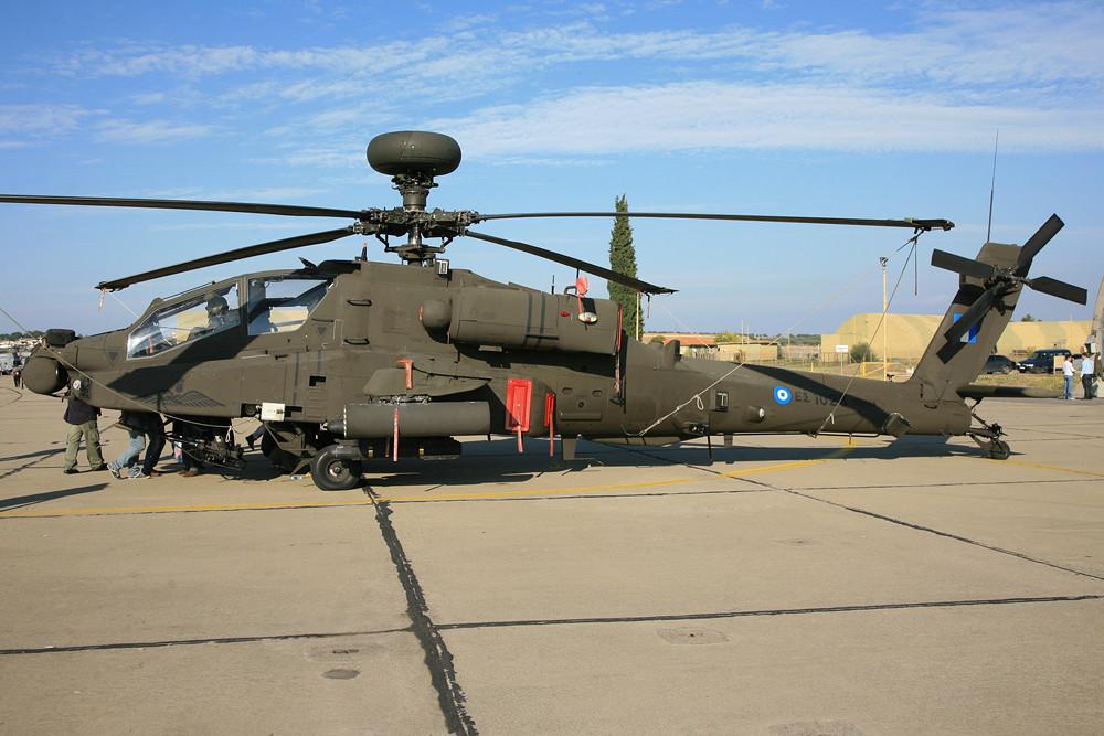 ...als auch den AH-64D Longbow.