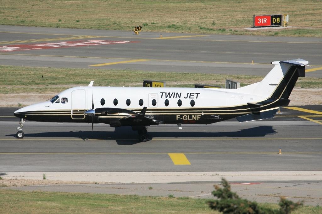 Nichts für den kleinen Geldbeutel sind die Flüge mit der Twin Jet.