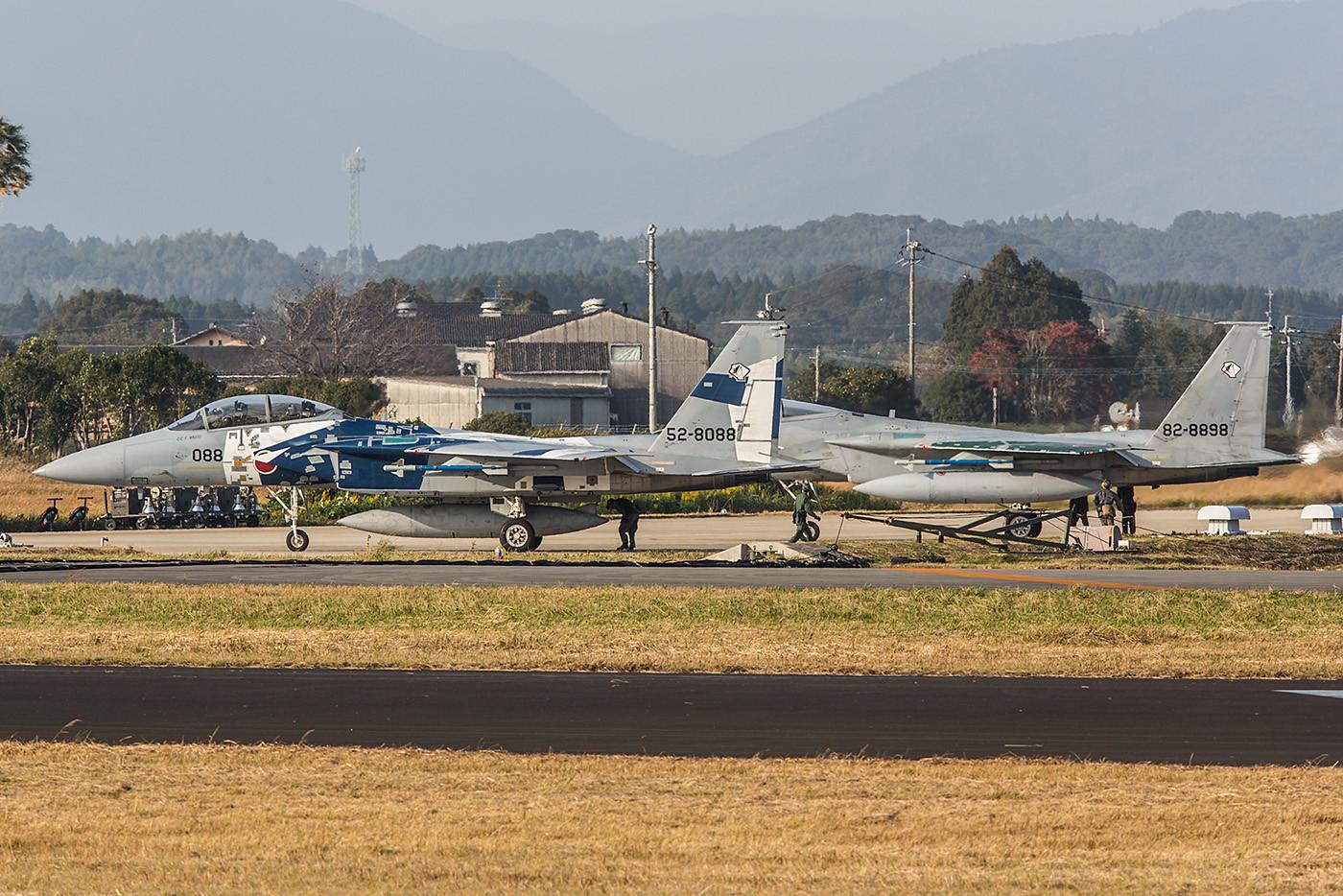 Zwei F-15 der Hiko Kyodotai an der Last Chance.