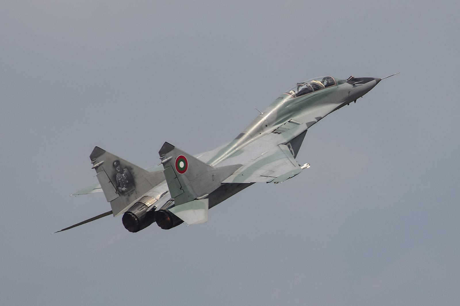 Die MiG-29UB bei der Solovorführung.