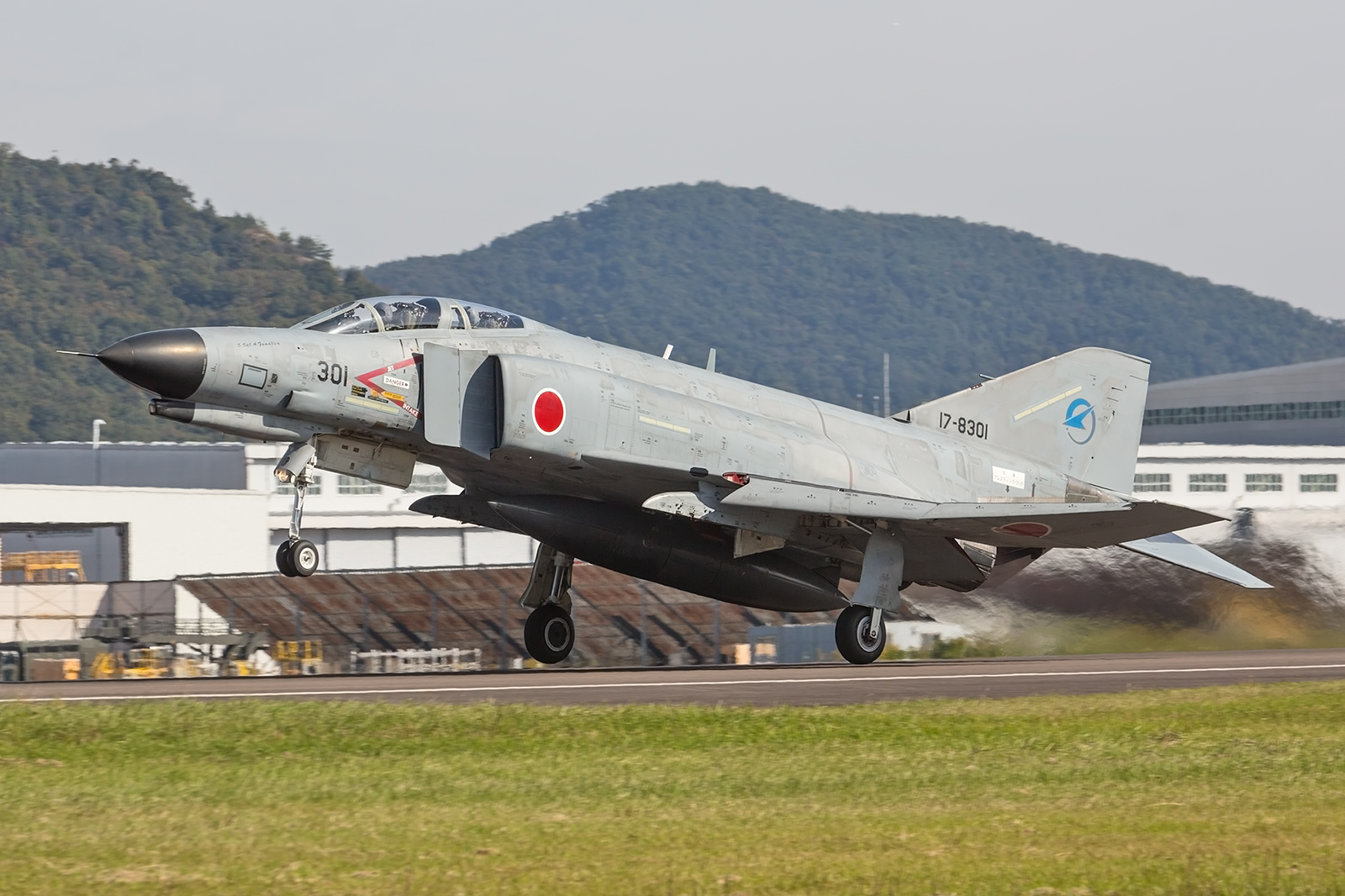 The mother of all Phantom´s, die 17-8301 beim Start in Kakamigahara.