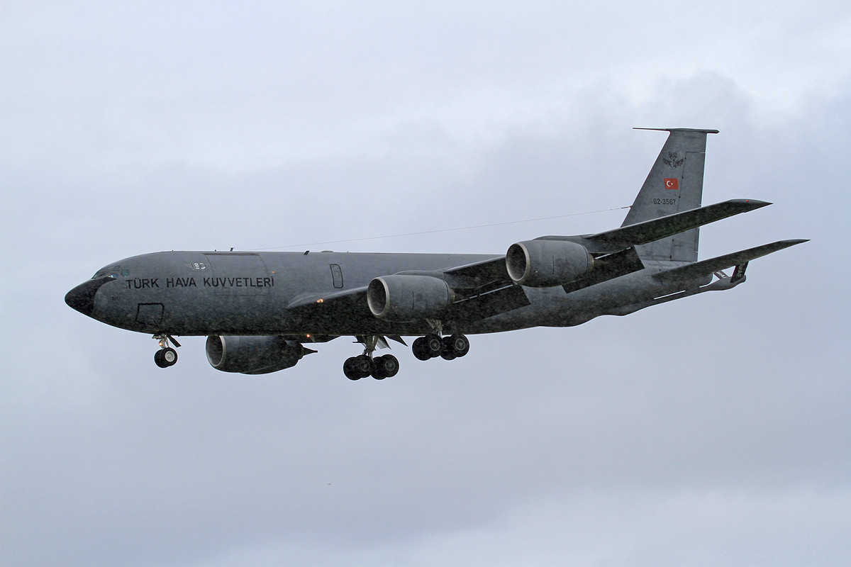 Leider in strömendem Regen kam die KC-135 der Türken
