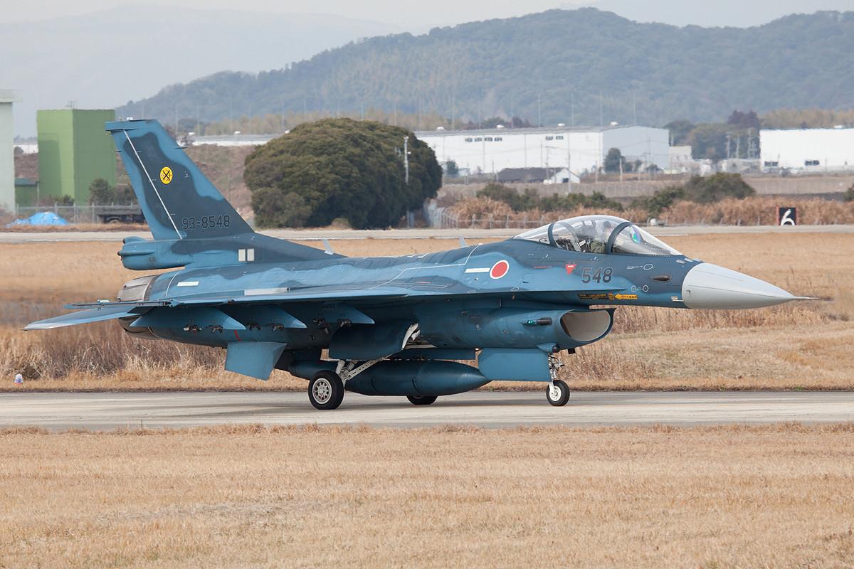 Die F-2 wird in Japan vorallem als Jagdbomber und in der marittimen Abwehr eingesetzt.
