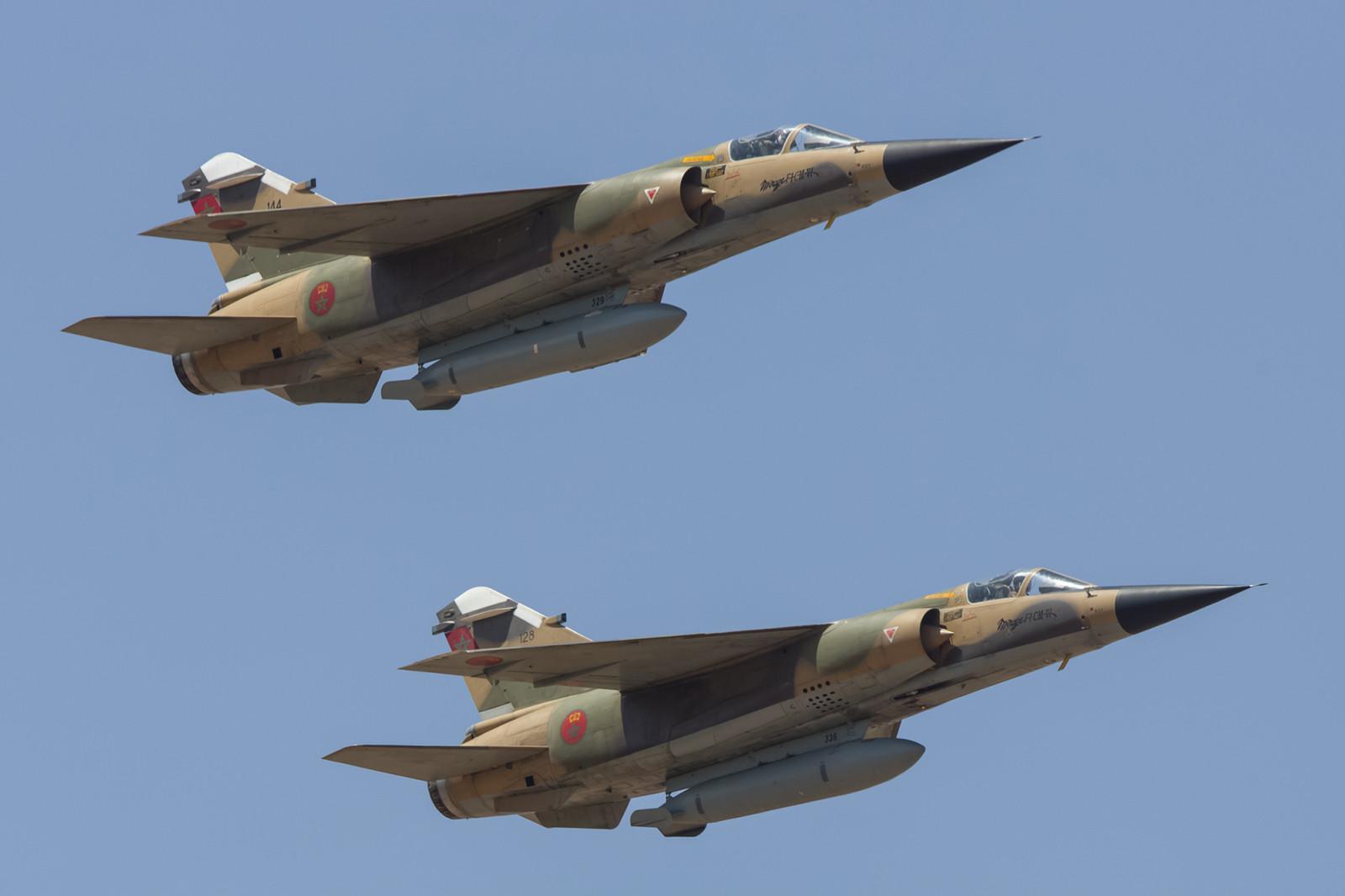 """Die """"128"""" und die """"144"""", zwei Mirage F-1CM-VI."""