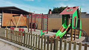 Parque infantil columpios