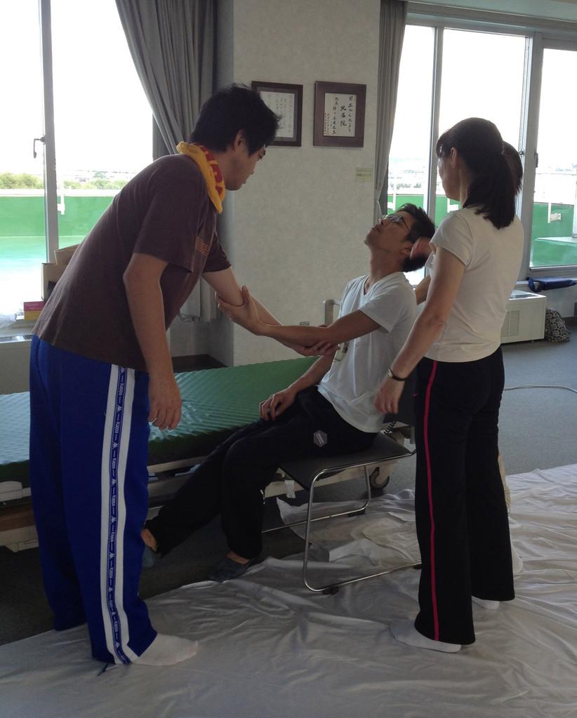 片麻痺と脱力がある患者さんへのサポート