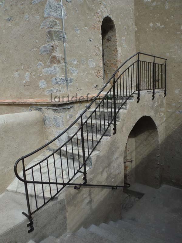 rampes d 39 escalier main courante fer forg ferronnerie aude site de lartdefer. Black Bedroom Furniture Sets. Home Design Ideas