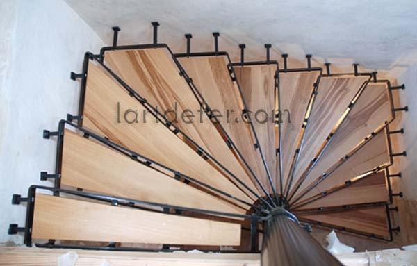 Escaliers faits en France en fer forgé, ferronnerie Aude, L\'art de ...
