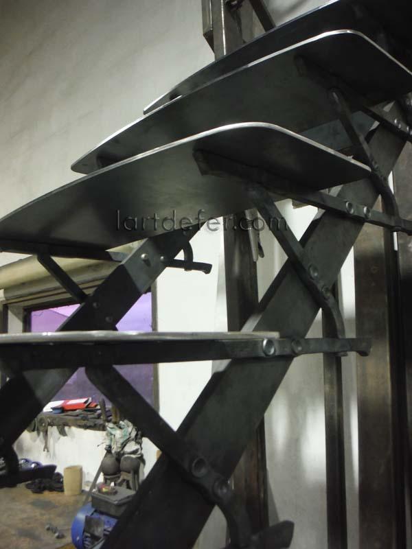 Escalier droit d'extérieur marches en acier