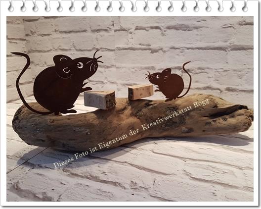 Mäuse auf Treibholz. 45cm x 18cm. Preis: 23.50€ + Versandkosten.