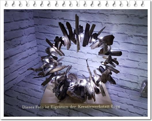 Ring aus Treibholz mit LED Beleuchtung. Durchmesser ca. 50cm. Preis: 37.50€ + Versandkosten.