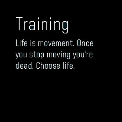 Personal Training in motivieriender Atmosphäre.  1:1 oder semi private. Ergebnisorientiert und zielspezifisch auf Deine Ansprüche ausgerichtet.