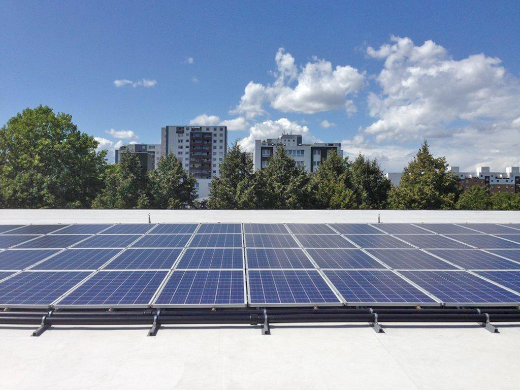 Solarabsorber kombiniert mit Photovoltaik - das Kraftdach