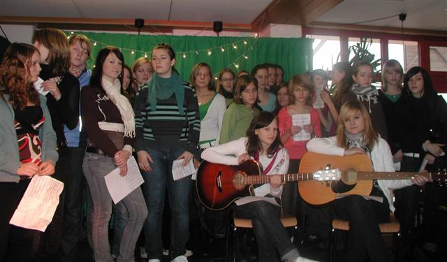 """Vor dem großen Auftritt. Auf dem Programm standen folgende Lieder: """"Hymn"""",   """"O happy day"""" und """"Christmas time"""""""