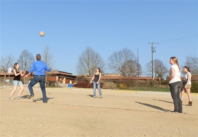 Am Anfang waren nur die Niedermünstermädchen beim Volleyballspielen.