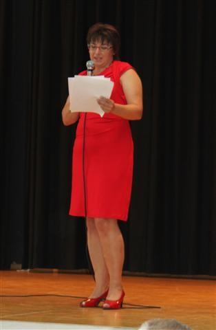 Frau Weinzierl bedankt sich im Namen des Elternbeirates.
