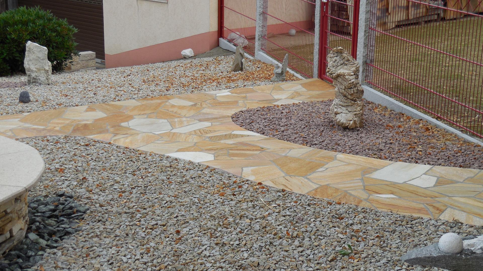 Naturstein Gartenweg - Polygonalverlegung