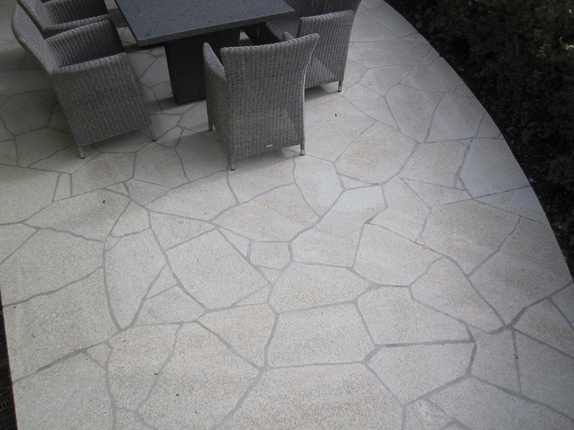Natursteinterrasse - Polygonalverlegung